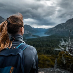 A woman who has overcome vaginitis hiking in the mountains | CU OB-GYN | Denver & Aurora, CO